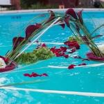 location-bougie-fleurs-piscine