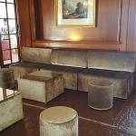 location mobilier banquette pouf velours