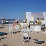 location mobilier plage parasol
