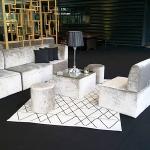location mobilier velours lampe autonome tapis